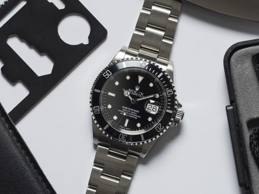 ROLEX SUBMARINER 16610 PINHOLES